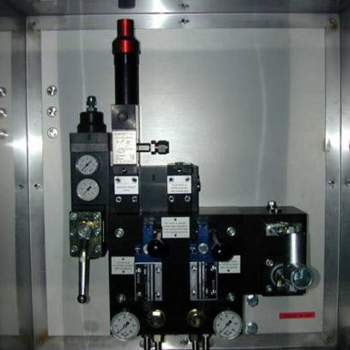 Control System with high or low pilot valve