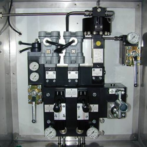 Control system with oneum.Line Break valve